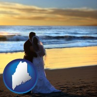 maine map icon and a beach wedding at sunset