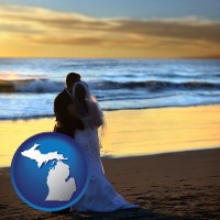 michigan map icon and a beach wedding at sunset